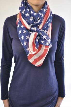 femme comment nouer un foulard short. Black Bedroom Furniture Sets. Home Design Ideas