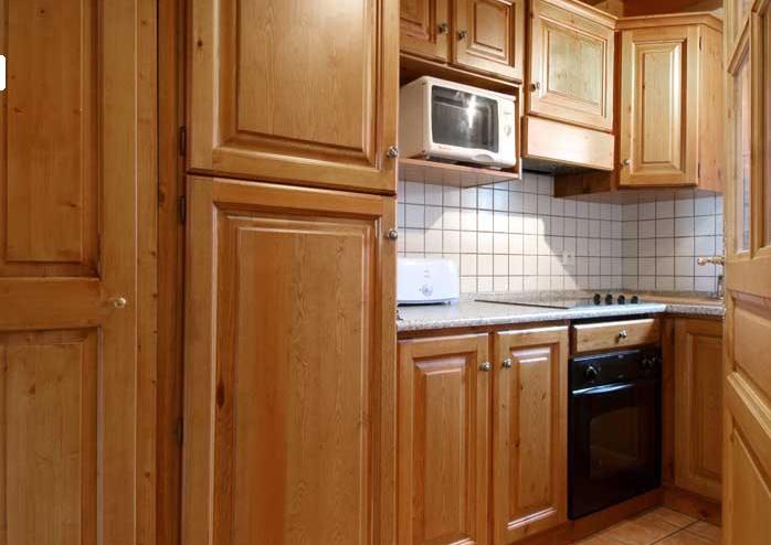 ski louer un appartement aux menuires short. Black Bedroom Furniture Sets. Home Design Ideas