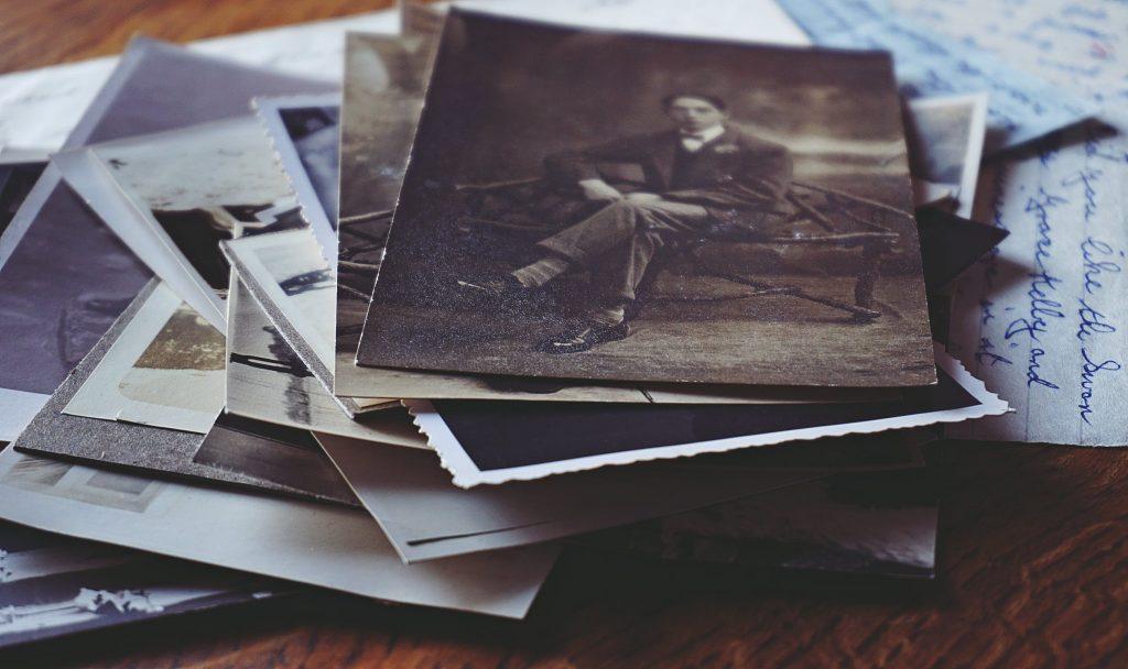 Photos de famille qui rappellent des souvenirs