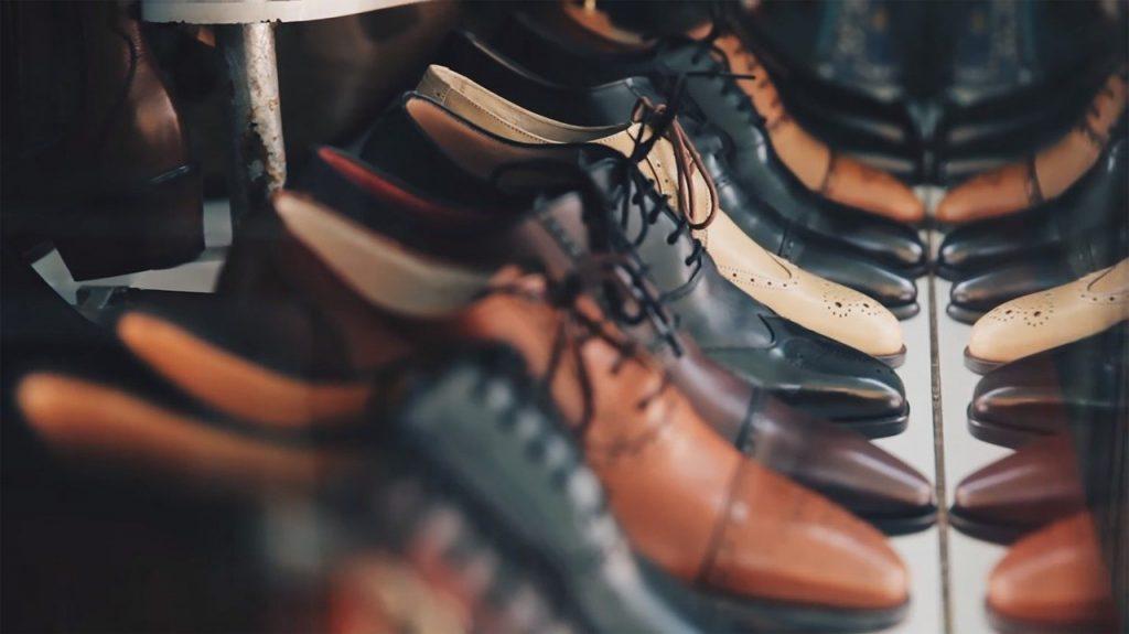 paires de chaussures en cuir pour homme